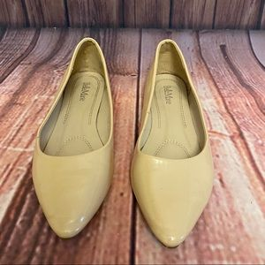 Bella Marie Size 9 Tan Pointed Toe Flats